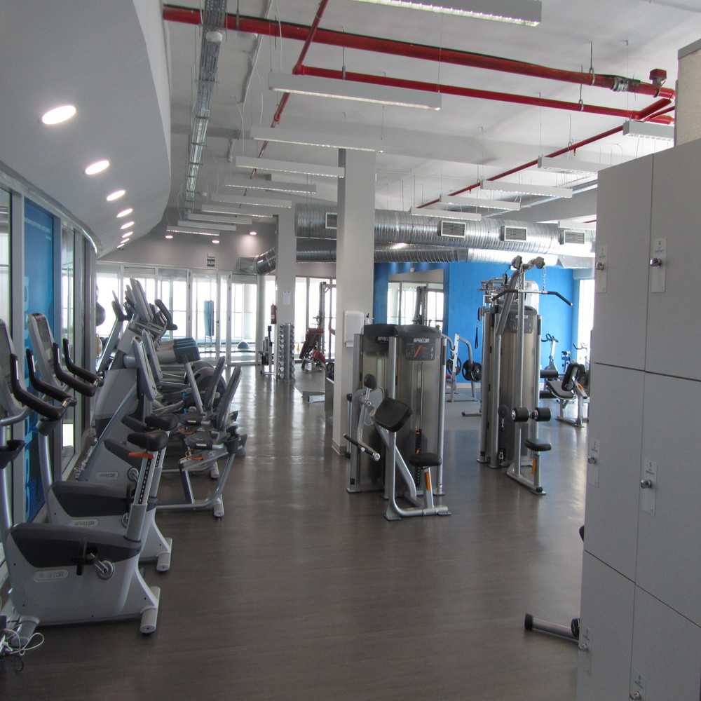Infinit fitness 24 7 bah a center for Gimnasio 24 horas logrono